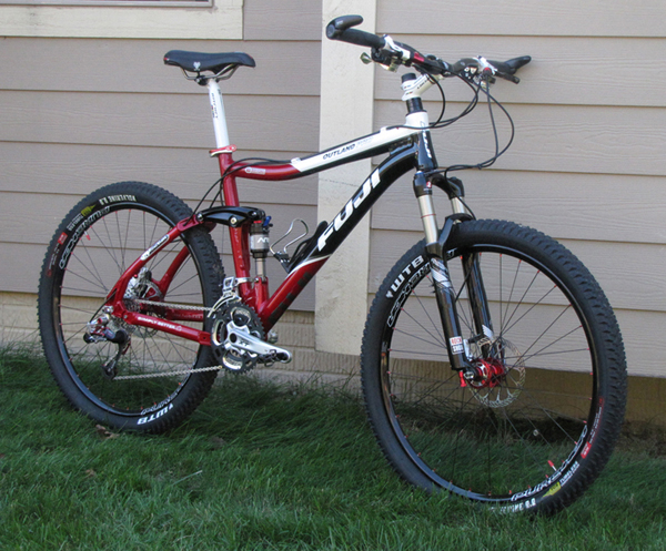 Show us a picture of your 26er MTB that you still use on the trails-fuji-shot-3.jpg