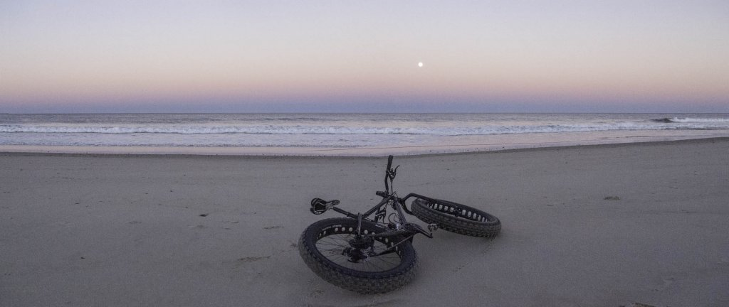 Beach/Sand riding picture thread.-fullmoon_01.jpg