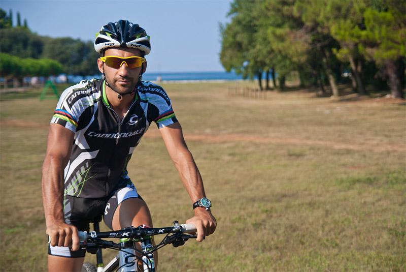 Best riders are bony buggers-fumic01v.jpg