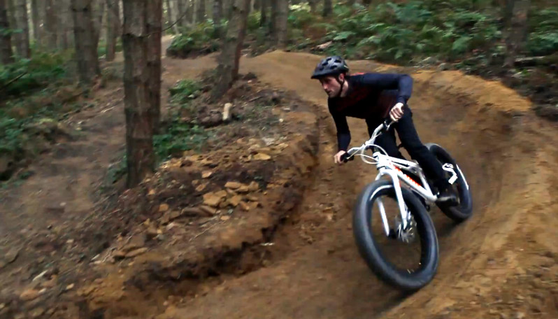 On-One Fun Fatty - hitting the berm