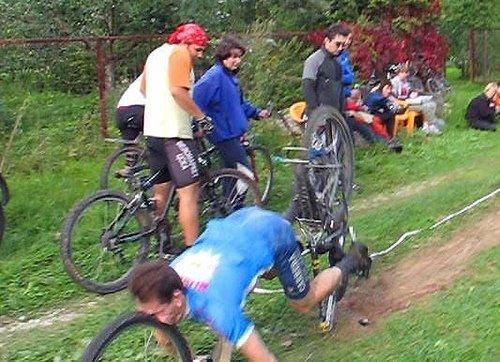 Name:  funny_bike_accident.jpg Views: 637 Size:  60.0 KB