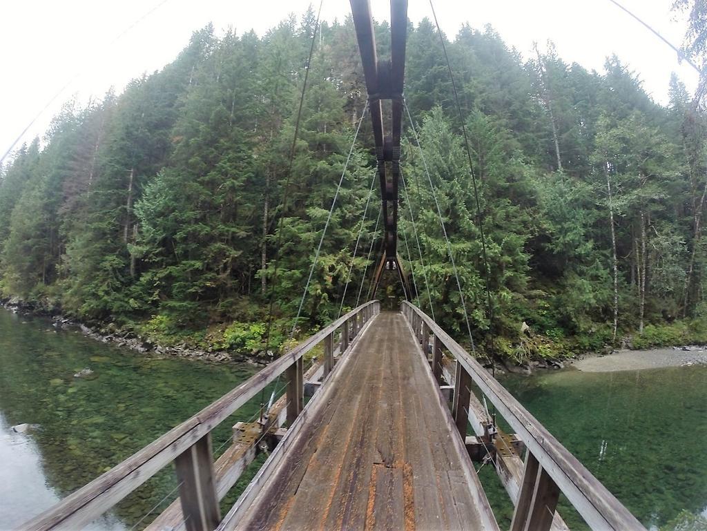 bike +  bridge pics-g0047627.jpg