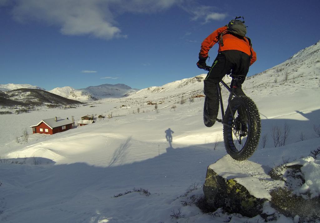 Fat Bike Air and Action Shots on Tech Terrain-g0050707-dropper-ut-fra-stein-fatbike-hd3-1440x-foto-tallak_zps2394497b.jpg