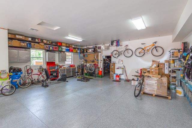 "The ""What's your shop look like?"" thread-garage_1.jpg"