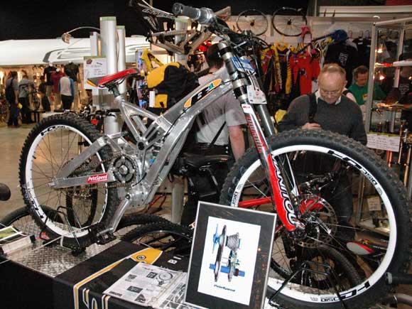 Old School DH bikes-gear_b1_northwest.jpg