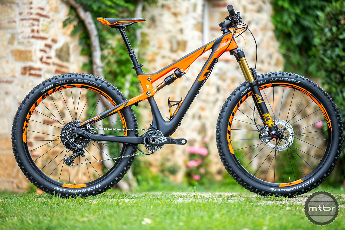 The Genius  700 Tuned sports 170mm of travel and now 2.82.8-inch tires.