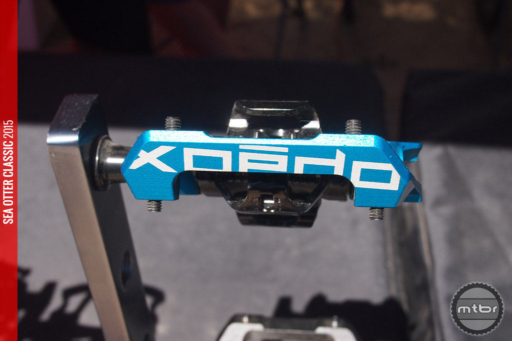 Front view of the all new GFX clipless DH pedal.