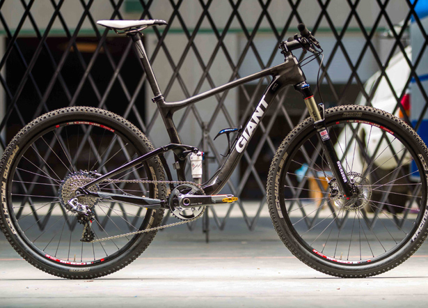 Ideal bike for XC racing in Southern Ontario (eg: Albion)-giant-27-5-1.jpg