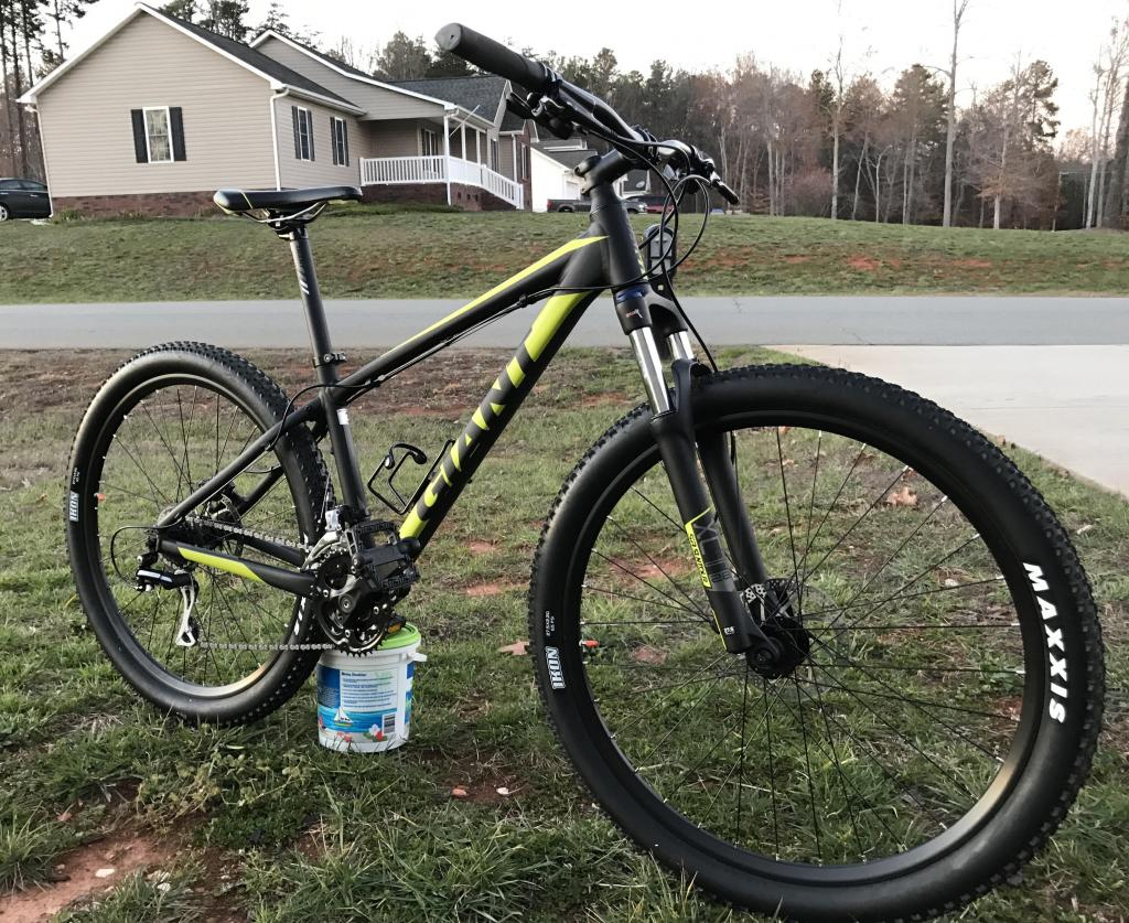 Post Pictures of your 27.5/ 650B Bike-giant1.jpg