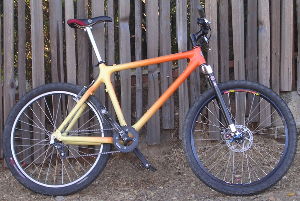 do you know anything about my frame?!? (carbon, 80-90's?)-giant_01.jpg