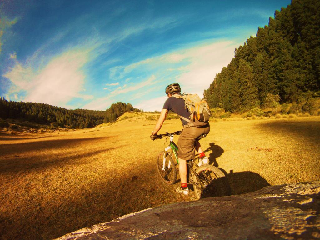 One picture, one line.  No whining. Something about YOUR last ride. [o]-gopr7782.jpg