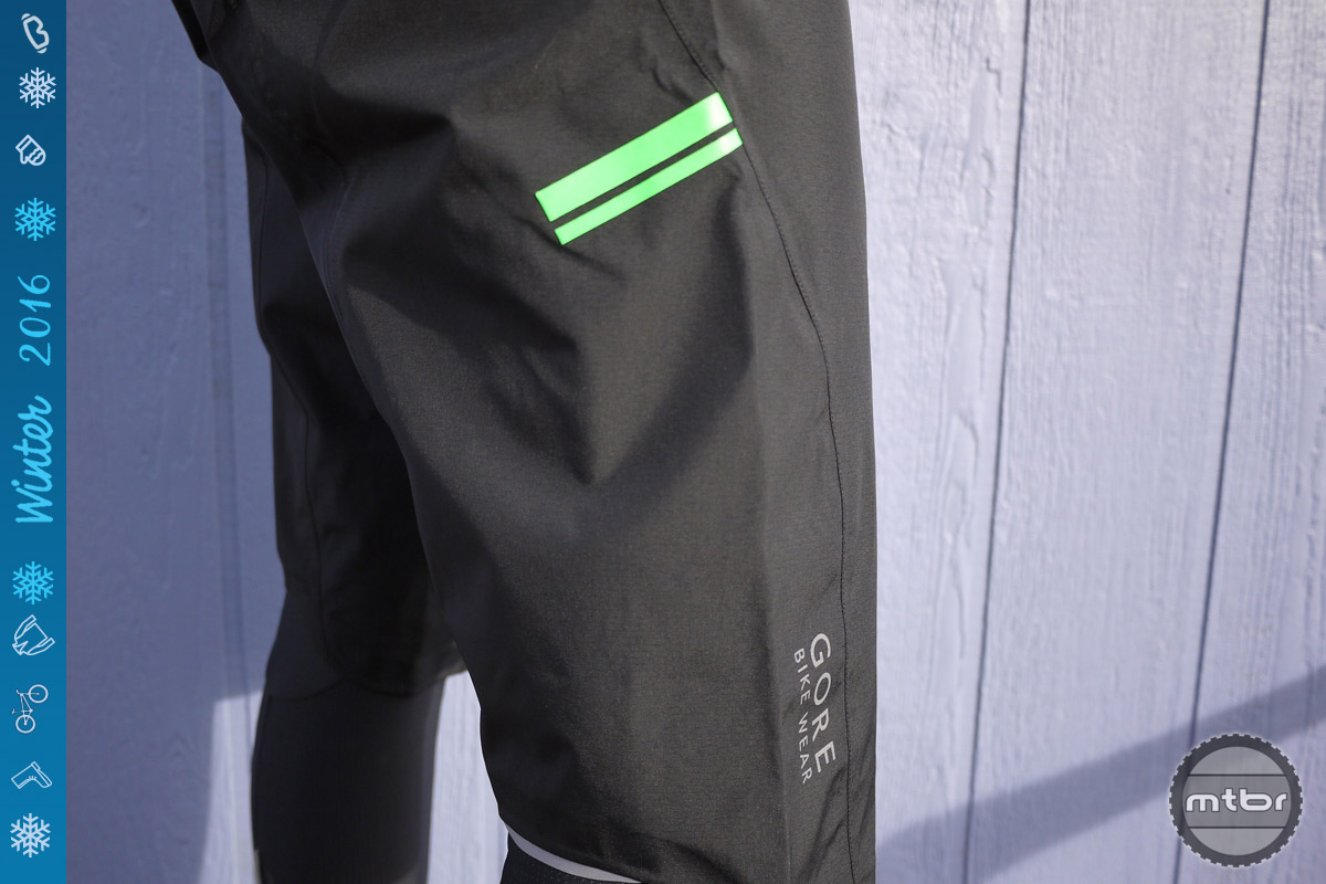 Color accents on the Gore rain shorts help keep you seen in low light conditions.