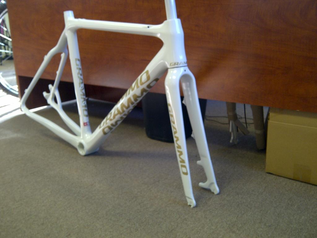 Disc Brake CX Bike Build-grammo-frame.jpg