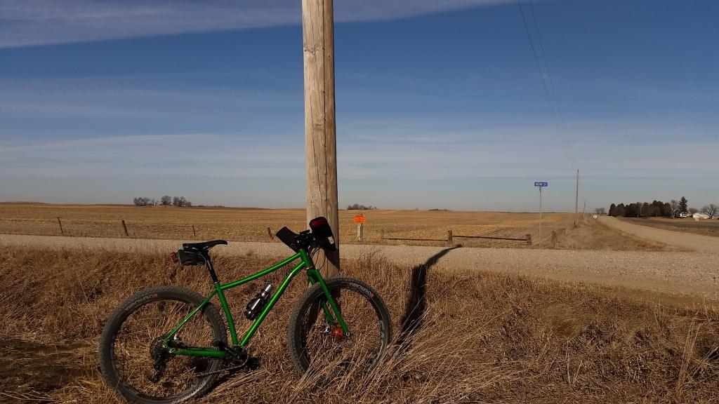 One picture, one line.  No whining. Something about YOUR last ride. [o]-gravel-view.jpg