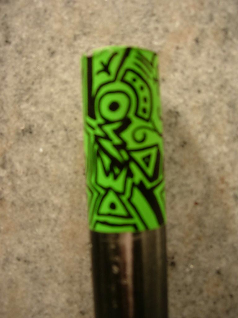 Rattle can+ Sharpie meets old helmet-green-bars-001.jpg
