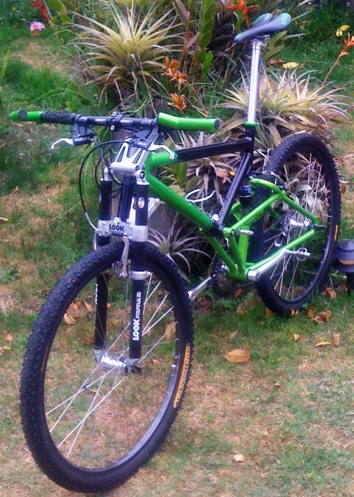 HomeGrown Pictures Corner-green-machine-02-short.jpg