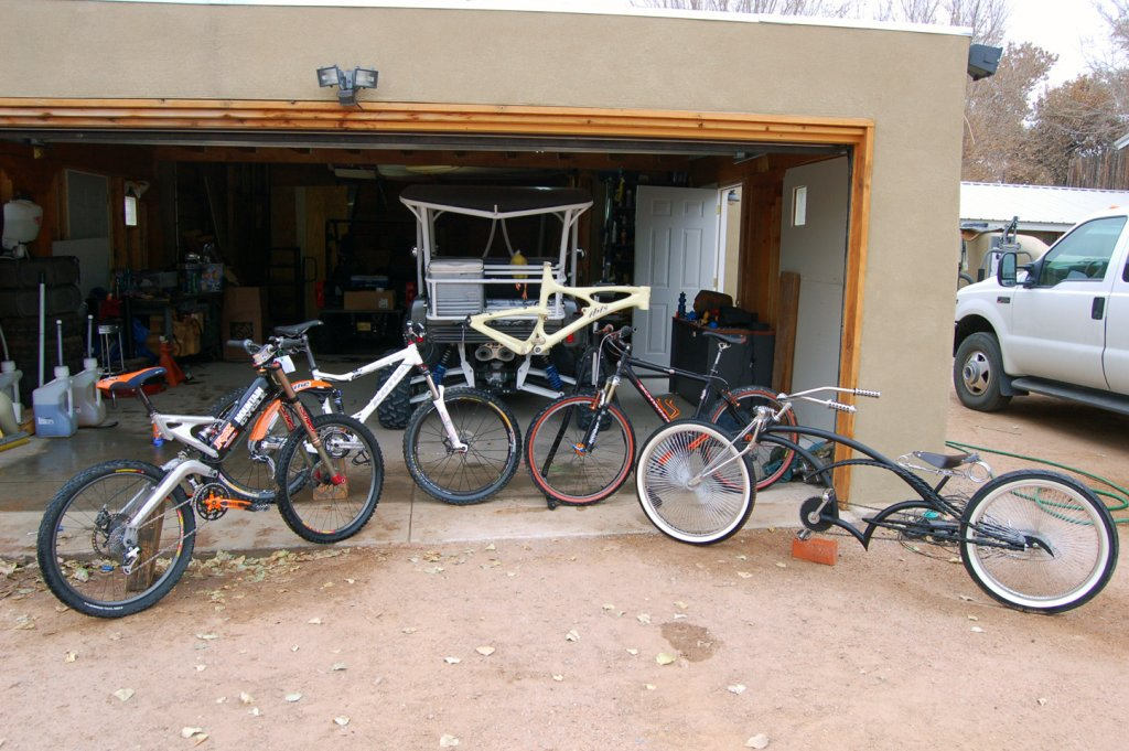 Old School DH bikes-group_photo.jpg