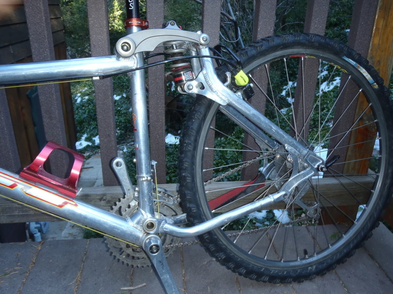 Bike parts you have accumulated-gt003.jpg