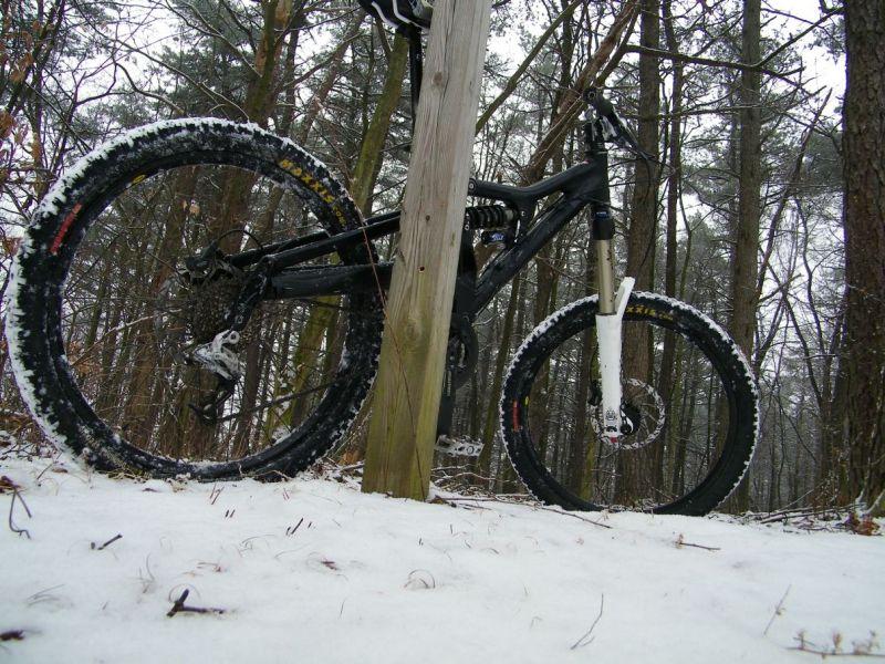A Little Bit of Snow-gujygukyj.jpg