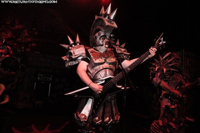 Name:  gwar140_828105-400x266.jpg