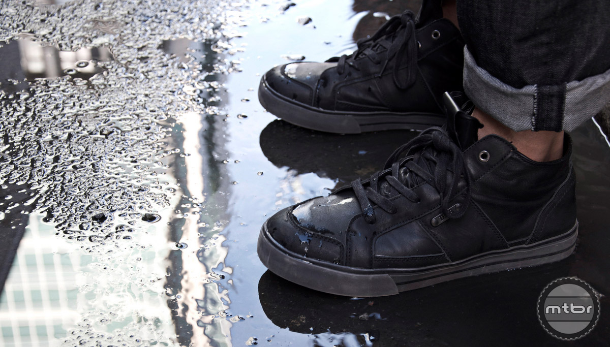 The DZR H2O shoes are well insulated from heavy rain and puddles.