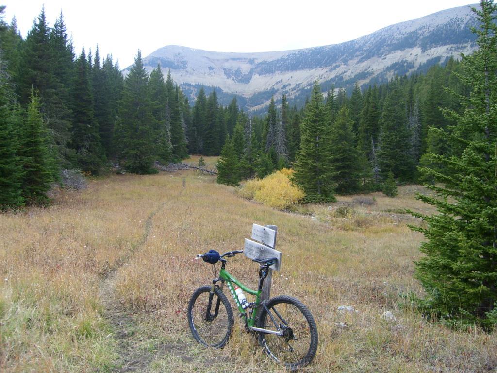 Bike + trail marker pics-halfmoon-crystal-lake-10-3-08-004.jpg