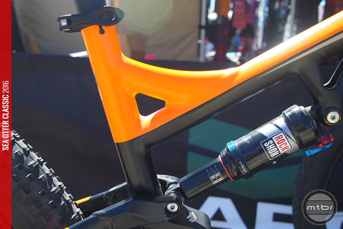 Close-up of the seat tube/top tube gusset.