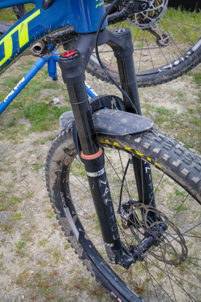 Manitou Mezzer Long Travel fork spotted at Sea Otter-hayes-j-unit-junior-kids-mountain-bike-component-system-grips-brakes-brake-lever-a2-fork-wheels-.jpg
