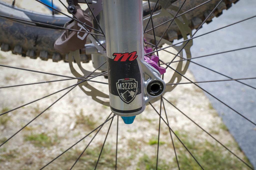 Manitou Mezzer Long Travel fork spotted at Sea Otter-hayes-j-unit-junior-kids-mountain-bike-component-system-grips-brakes-brake-lever-a2-fork-wheels-.jpg