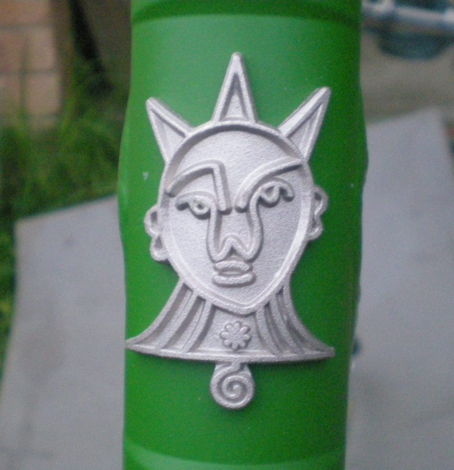 Show us your bike porn-head-badge.jpg