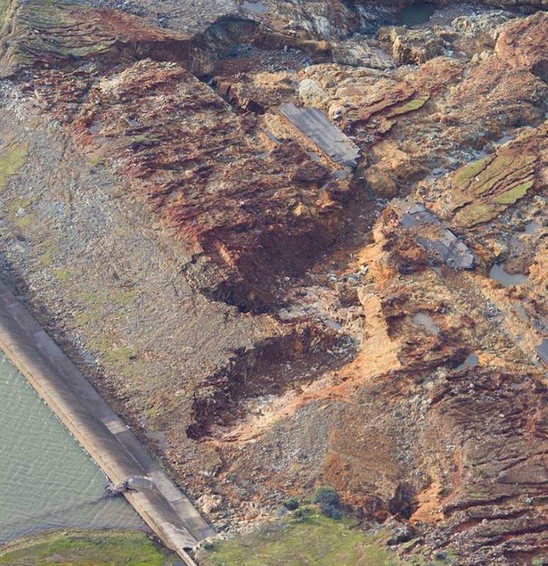 OT: The Oroville Reservoir situation-headcut-erosion.jpg
