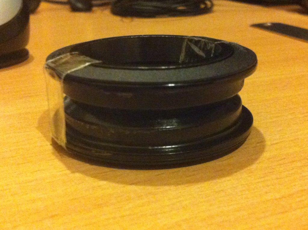 Scott Scale 40 (2010) Headset Question-headset-stock.jpg
