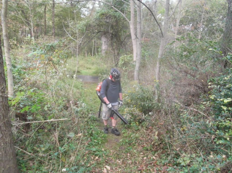 Friends & Fun in the Fall Season Reopen Lost Trails 9/23/12-hess-field-work-ride-9-23-12-028_900x900.jpg