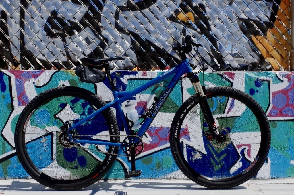 El Com - Graffiti-hg004425.jpg