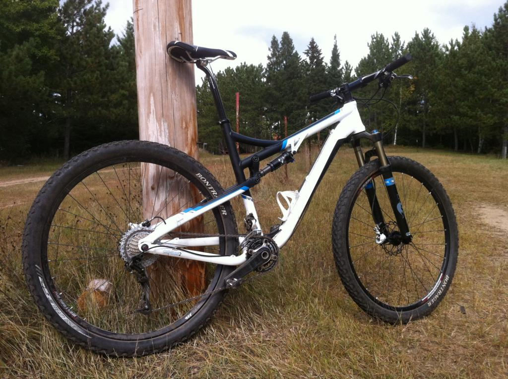 Trek 29er's roll call-hifi.jpg