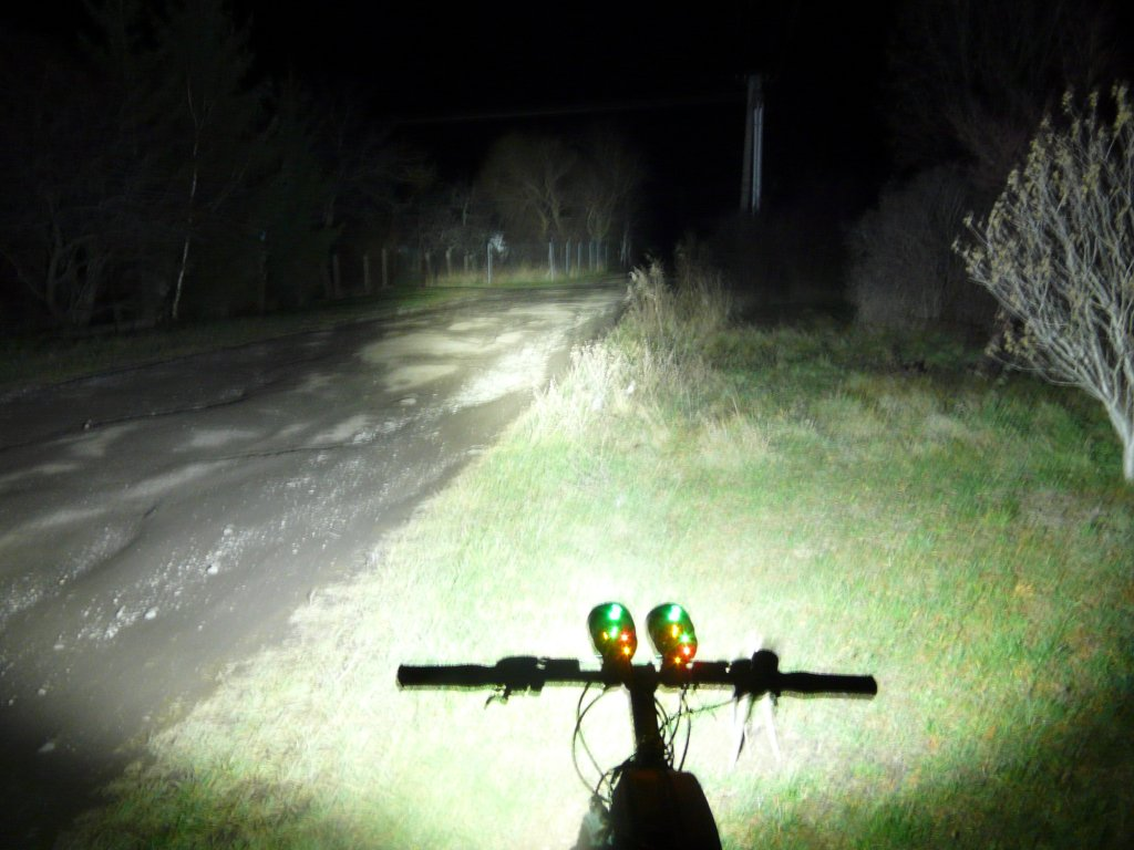 Powerful 7*Cree XM-L T6 6000LM 3-Mode Front Bicycle Light from LM-high-dual.jpg