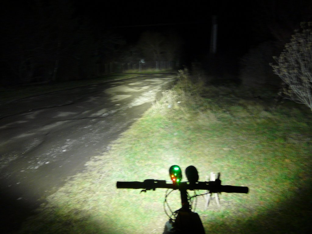 Powerful 7*Cree XM-L T6 6000LM 3-Mode Front Bicycle Light from LM-high.jpg
