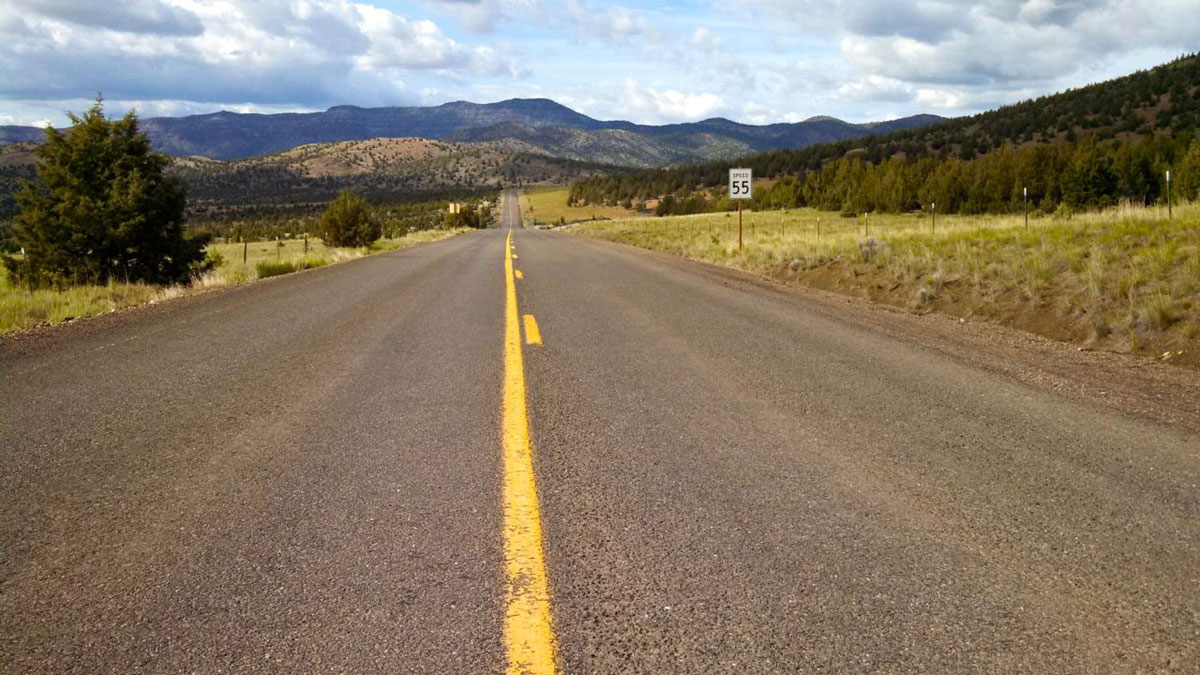 On Highway 207 to Service Creek, you'll rarely see more than a handful of cars.
