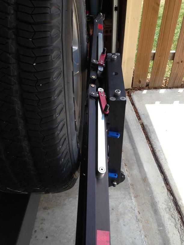 1up Rack on Jeep Wrangler JK-hitch-upright.jpg