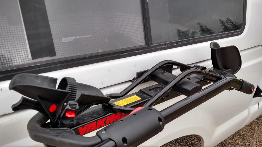 Thule Hitch Bike Rack >> Pickup Truck side mount, topper friendly, bike rack hack- Mtbr.com