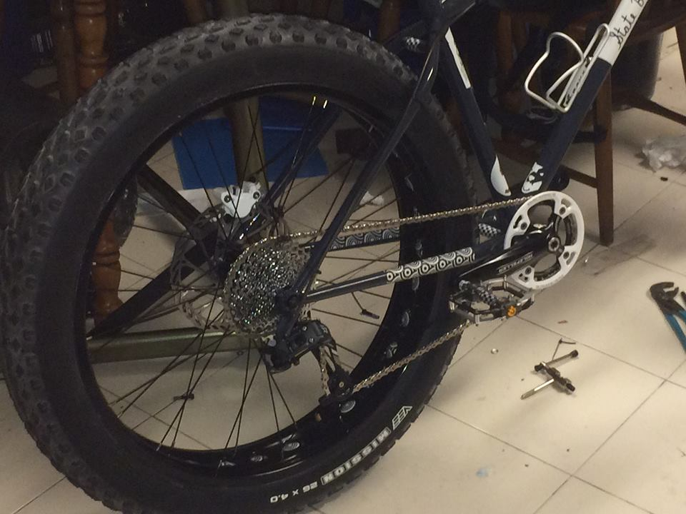 State Bicycle Co. Megalith Fat Bike-holzfeller.jpg