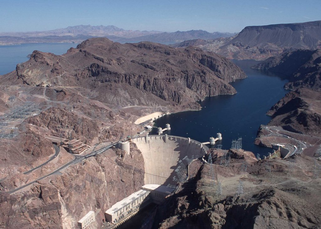 Anyone have tips for renting / riding in Las Vegas ?-hoover_dam.jpg