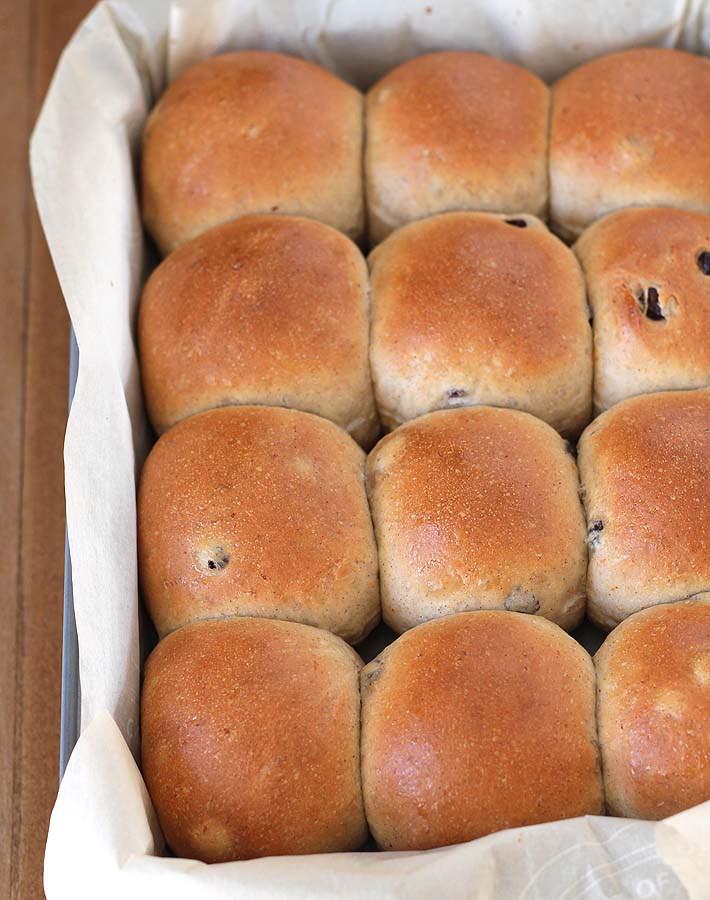 Vegetarian / Vegan / Raw recipes & chat-how-make-vegan-hot-cross-buns.jpg