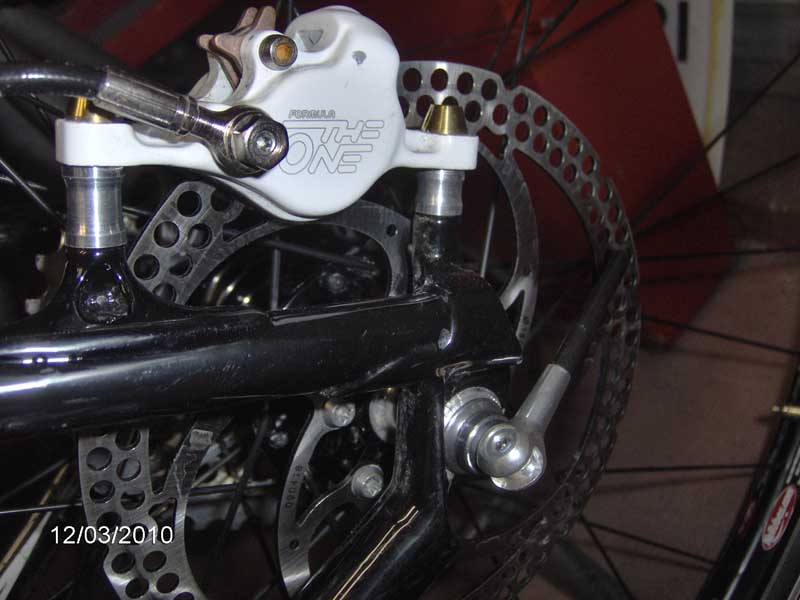 Flash Carbon Owners w/ Formula R1's:  What rear brake adapter?-hpim0329.jpg