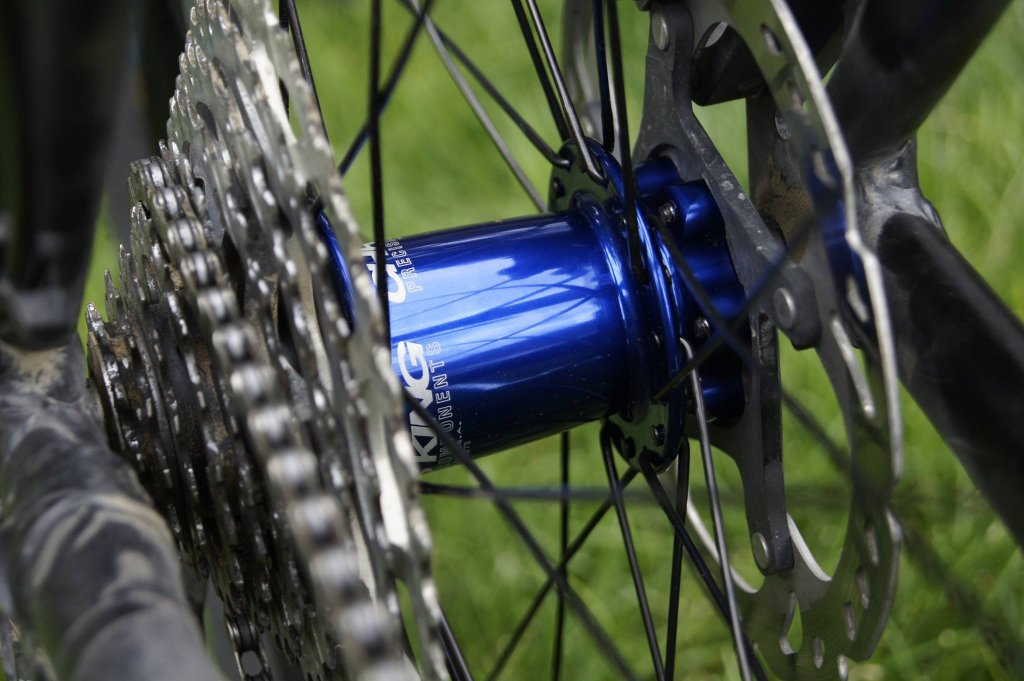 Lets see some blinged out wheelsets..I9,CK,Hope..anything goes!-hubsessed-cycle-works-blue-chris-king-wtb-kom-rear.jpg