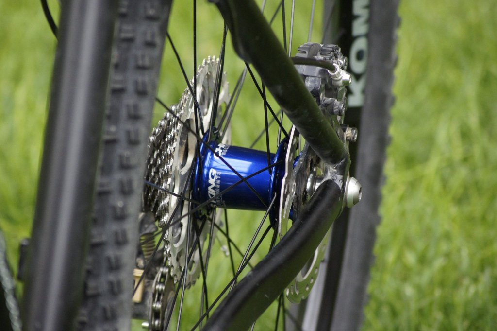 Lets see some blinged out wheelsets..I9,CK,Hope..anything goes!-hubsessed-cycle-works-blue-chris-king-wtb-kom-rear-side.jpg
