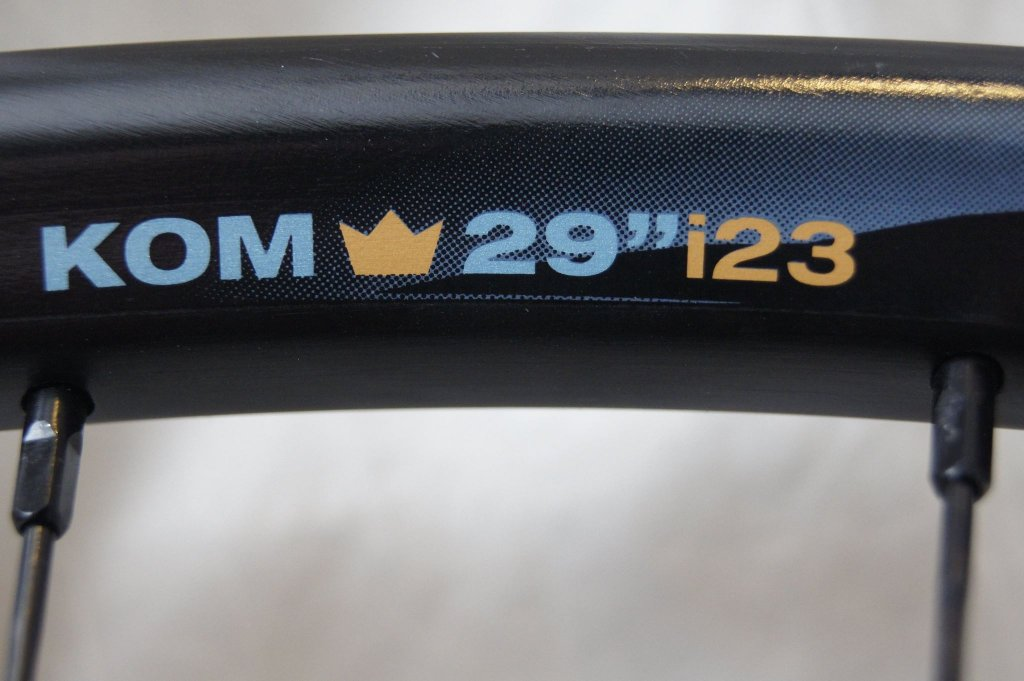 Lets see some blinged out wheelsets..I9,CK,Hope..anything goes!-hubsessed-cycle-works-blue-hope-front-kom-i23.jpg