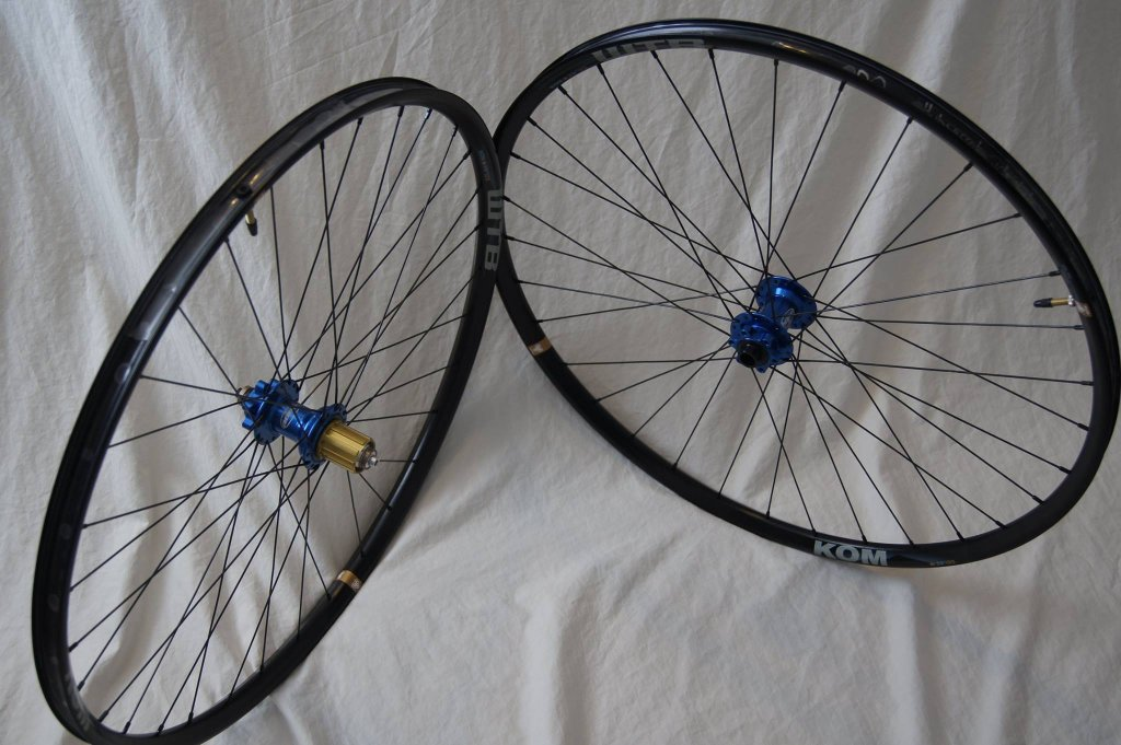Lets see some blinged out wheelsets..I9,CK,Hope..anything goes!-hubsessed-cycle-works-blue-hope-front-kom-i23-set.jpg