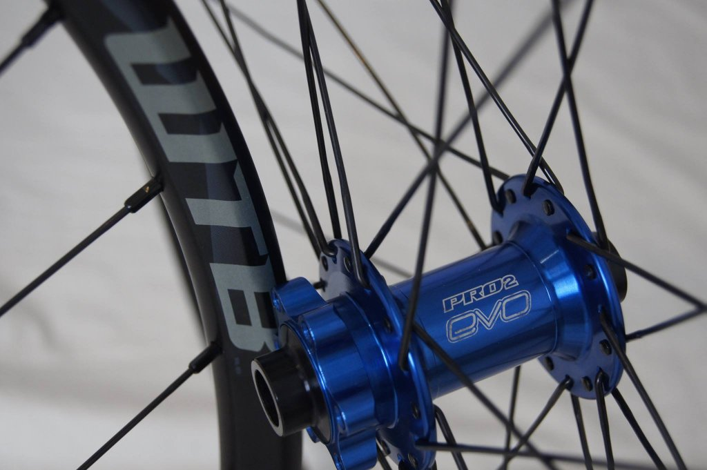Lets see some blinged out wheelsets..I9,CK,Hope..anything goes!-hubsessed-cycle-works-blue-hope-front-kom.jpg