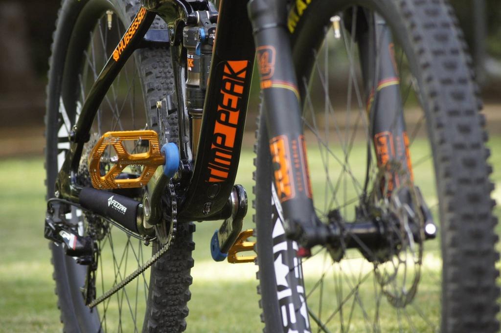 Fezzari Timp Peak X1-hubsessed-cycle-works-fezzari-timp-peak-nobl-carbon.jpg